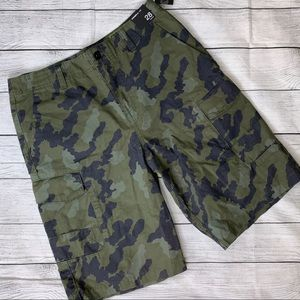 O'Neill NWT Camouflage Cargo Men's Shorts Size 28